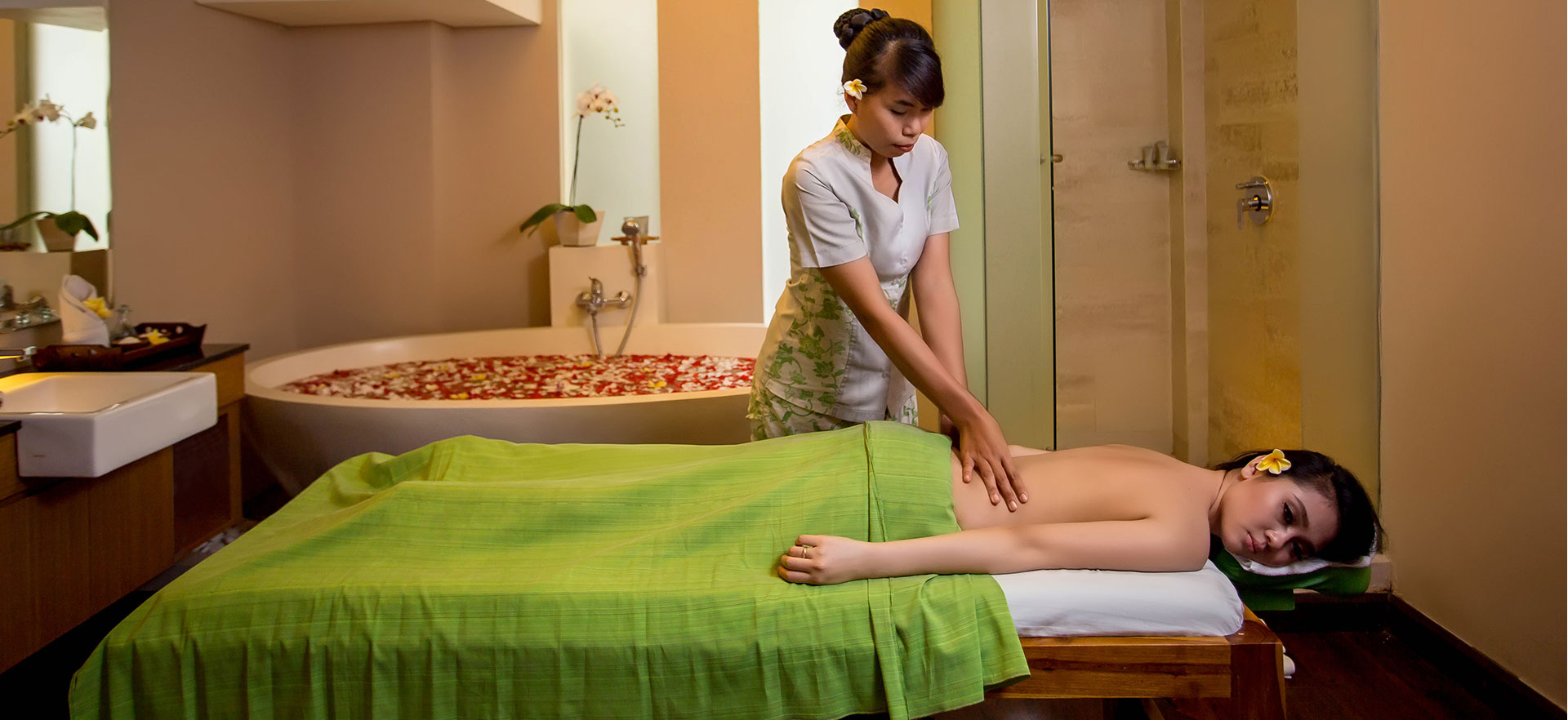 Lowongan Spa Therapist DW Grand Ixora Kuta Resort